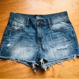 Old Navy Diva Distressed Jean Shorts Size 2